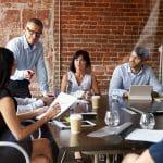 Waar voldoet een goede leidinggevende aan?